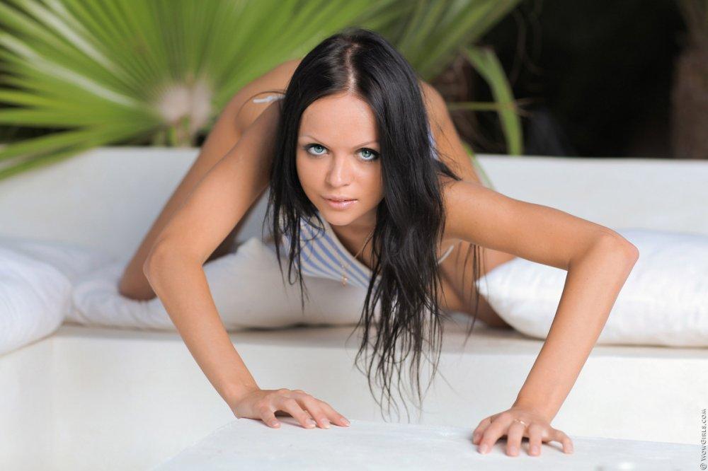 Wow Girls Melanie B in Horny Starlet 1
