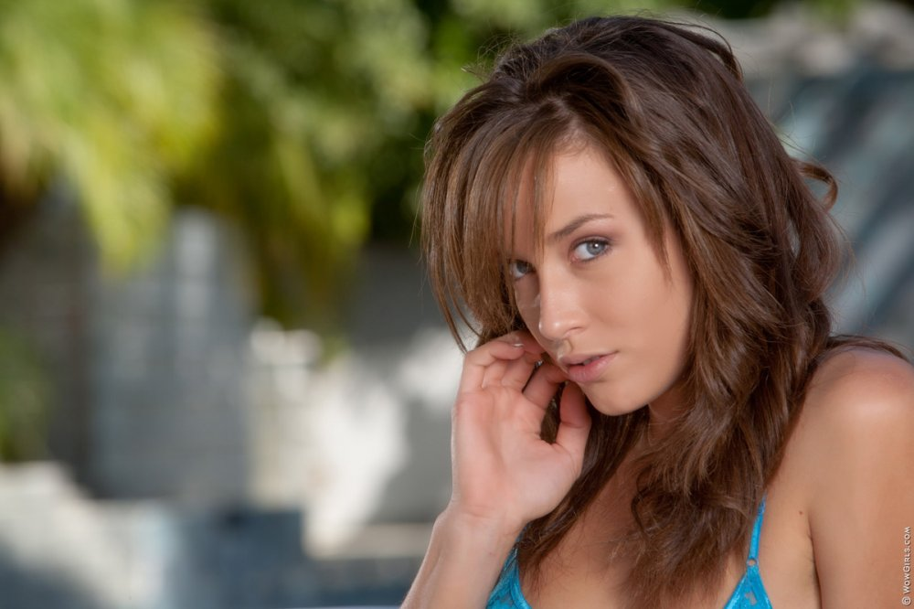 Wow Girls Red Like a Devil Featuring Malena Morgan 3