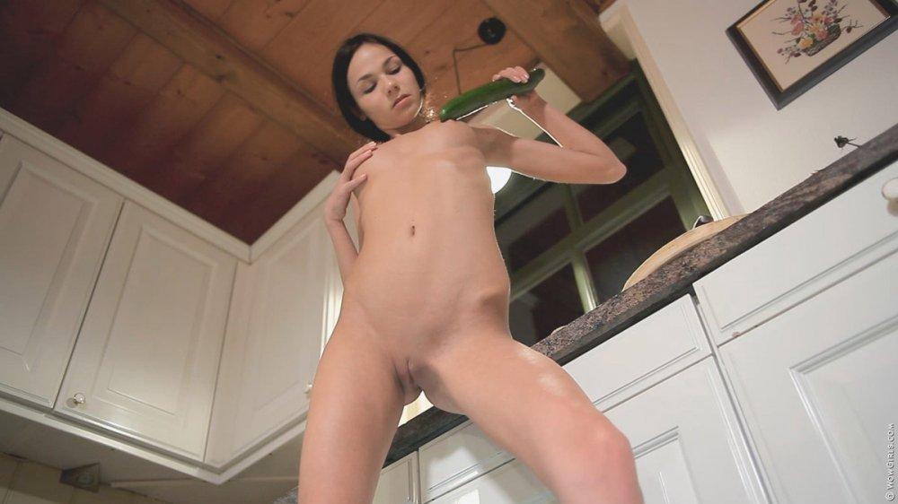 Wow Girls Jasmin in Unreal Cucumber 4
